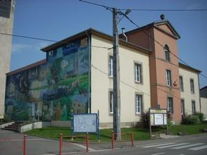 la-mairie-et-sa-fresque